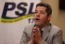Em nova reviravolta, Delegado Waldir entrega cargo e Eduardo Bolsonaro vira líder do PSL 7