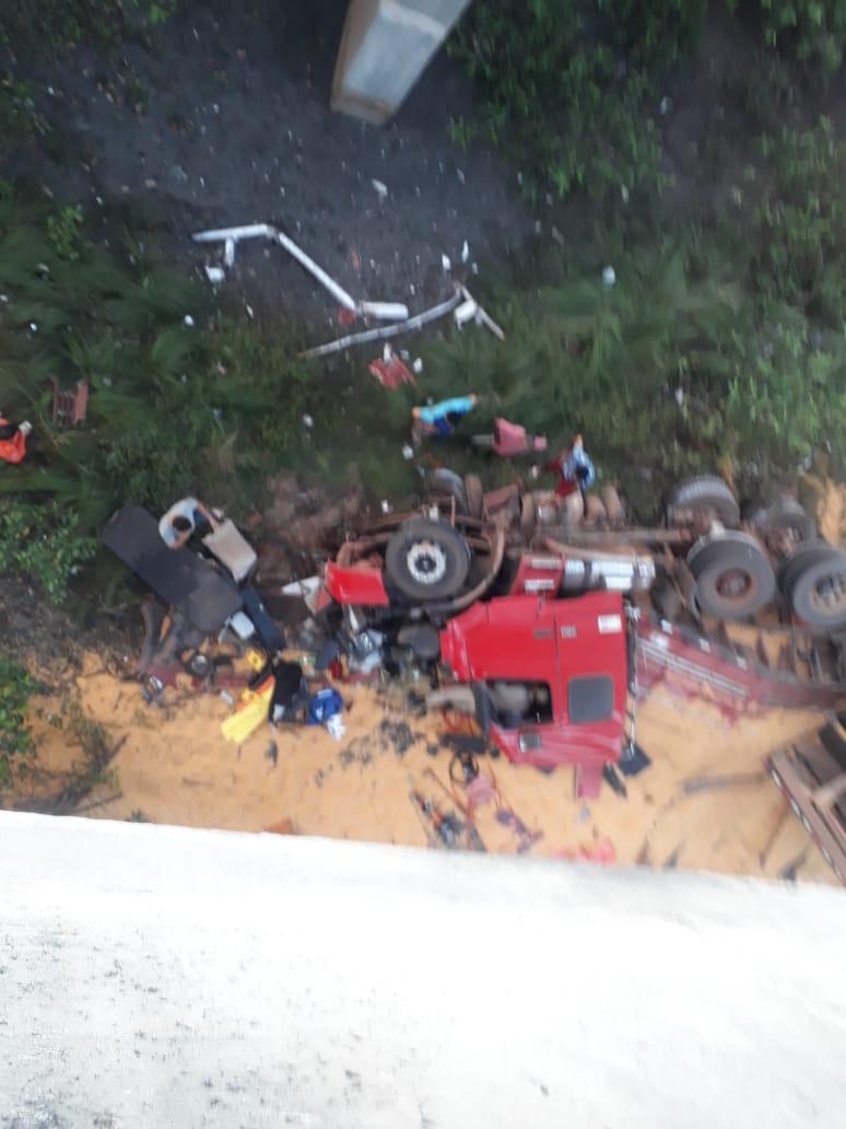 Monteirense cai de ponte com Carreta em São Luís no Maranhão 2