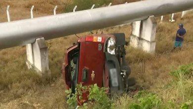 Jovem morre após carro capotar e colidir com tubulação, no Cariri 1