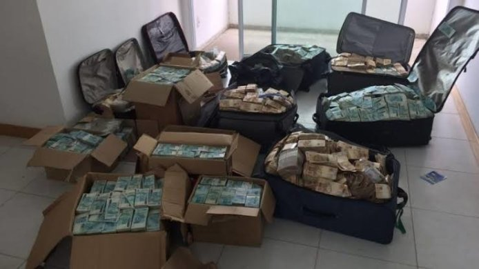 malas-dinheiro-694x390 STF condena Geddel e Lúcio Vieira Lima por R$ 51 milhões em apartamento