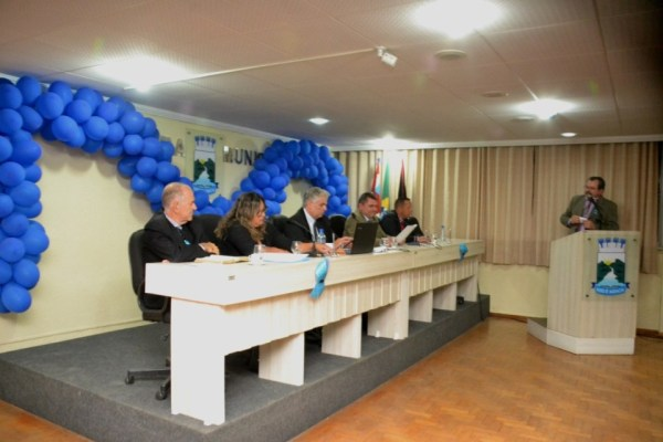 003-21-600x400 Câmara de Monteiro aprova projeto que beneficia enfermeiros e técnicos de enfermagem