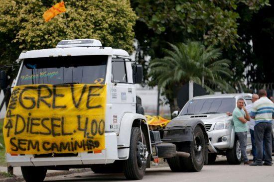 GREVE-CAMINHONEIROS GREVE DE CAMINHONEIROS: Nova paralisação da categoria estaria marcada para 16 dezembro
