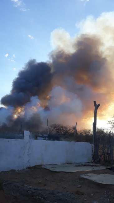 IMG-20191209-WA0327-366x650 Incêndio de grandes proporções atinge sítio Uruçu, zona rural de Monteiro