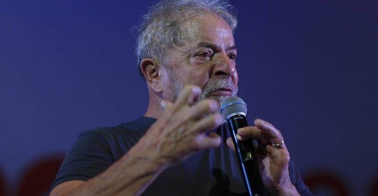 lula-780x405-1 Lula chora ao falar em 'limpar o nome da família'