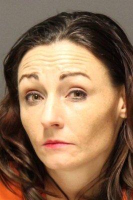 CRIME-266x400 Mulher oferece ensaio newborn grátis e envenena mãe para sequestrar bebê