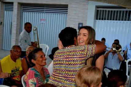 Moradores-da-Rua-Sebastião-Aquino-Bezerra-recebem-a-prefeita-Anna-Lorena-com-festa-12-600x400 Moradores da Rua Sebastião Aquino Bezerra, recebem a prefeita Anna Lorena com festa