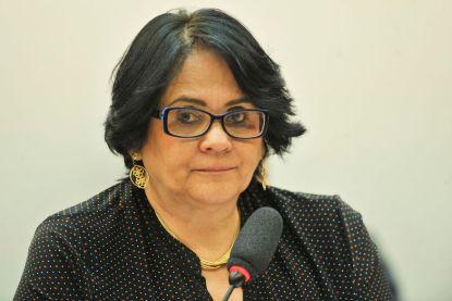 ministra-599x400 Dinamarquesa vira funkeira no Rio com letra que ironiza fala de Damares