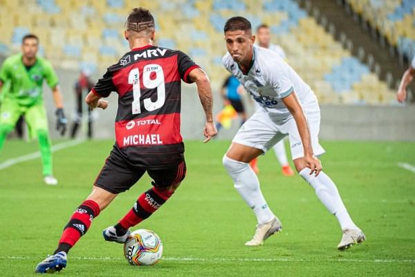 Alexandre-Vidal-600x400 Flamengo vence Cabofriense pela primeira rodada da Taça Rio