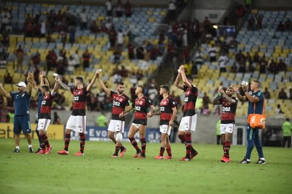 dur6853-601x400 Flamengo passa por cima do Barcelona e deixa Libertadores com cara de Carioca