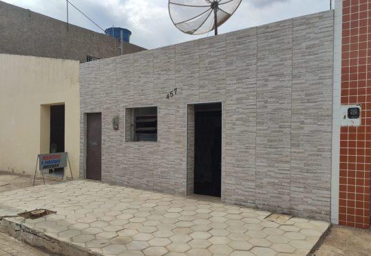 1614450369053-scaled-e1614450616714 Pelo telhado, bandidos invadem residência de idosa de 62 anos e furtamTV em Monteiro.