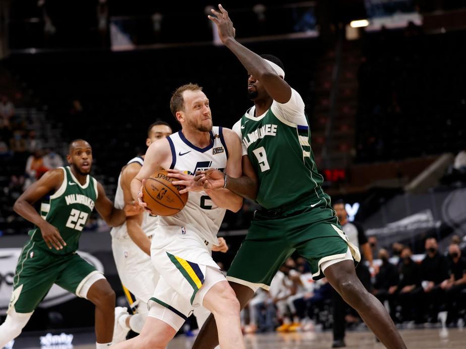 gettyimages-1231129531 Jazz controla os Bucks, vence a 6ª seguida e mantém liderança da Conferência Oeste