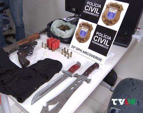 540555054yu-e1616787423534 Polícia Civil e Militar capturam foragido e apreendem armas e drogas em Sertânia