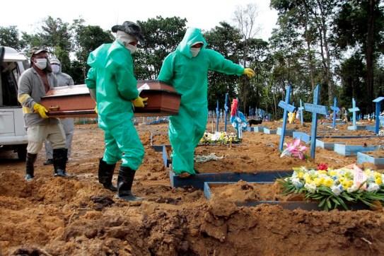 Seultamento-em-Manaus-Covid-19-by-Altemar-Alcantara-semcom Monteiro e mais quatro municípios do Cariri registram mortes por Covid-19 nesta terça-feira