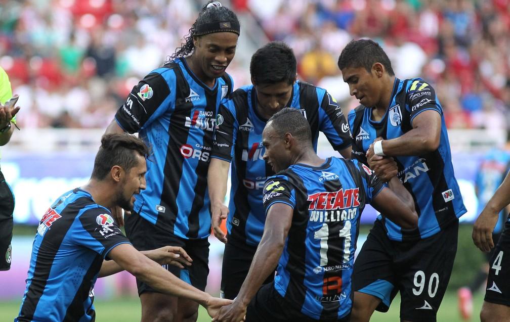 ronaldinho_efe Reforço do São Paulo, William venceu problema no coração e foi campeão com Ronaldinho e Volpi