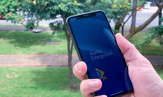 Auxiliop-emergencial Auxílio emergencial é pago a beneficiários do Bolsa Família com NIS 2