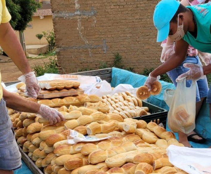 IMG-20210402-WA0084-e1617569917199 Projeto Social: realiza mais uma ação com distribuição de pães em Monteiro