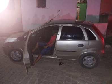 IMG-20210427-WA0268 Suspeito de cometer homicídio em Zabelê é preso em flagrante no município de Sertânia.