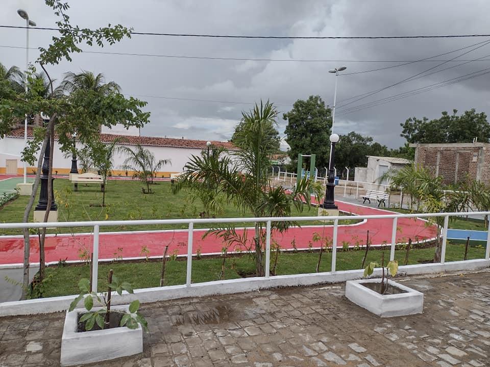 183611941_3987716668013793_3477806844905772072_n Prefeito de São João do Tigre vistoria obras da praça Possidônio Bezerra de Carvalho