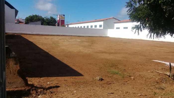 Bairro-Bernardino-Lemos-3-700x394 Secretaria de infraestrutura realiza completa limpeza em terrenos no bairro Bernardino Lemos