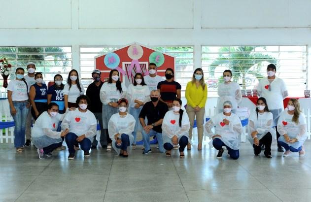 Desenvolvimento-Social-promove-homenagem-as-Maes-monteirenses-7 Com a presença da Prefeita Lorena, Secretaria de Desenvolvimento Social promove homenagem às Mães monteirenses