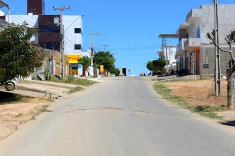 Vila-Popular-2 Governo do Estado fará nova licitação para pavimentação asfáltica em Monteiro