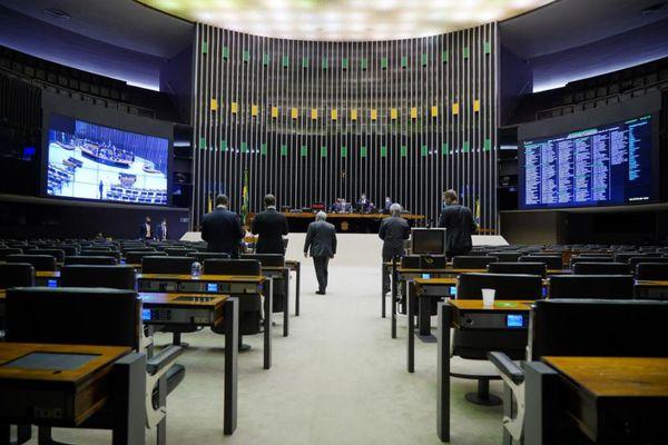plenario-da-camara-durante-votacao-da-proposta-que-revoga-a-lei-de-seguranca-nacional-487457-article Câmara aprova projeto que institui sistema de cobrança de pedágio por distância percorrida