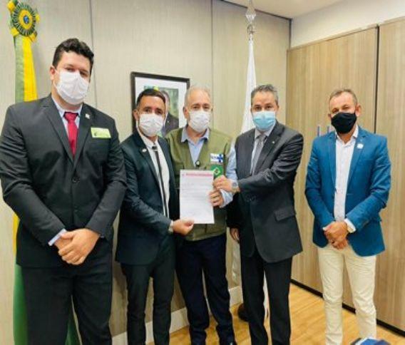 1-1-1 Pela primeira vez, prefeitos caririzeiros são recebidos pelo Ministro da Saúde para reunião em Brasília
