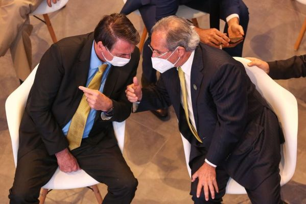 51150248880-d8d919dbb7-k-1-599x400 Se Congresso aprovar voto impresso, Guedes vai ter que arranjar verba para implantar, diz Bolsonaro