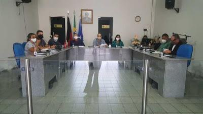TRE Vereadores de São João do Tigre aprovam requerimentos e dois projetos de lei de autoria do vereador Arnóbio Pereira.