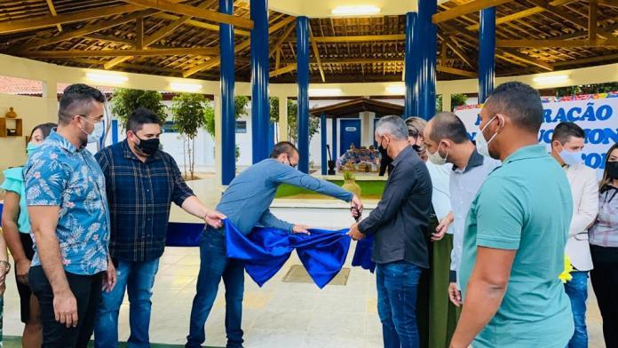 WhatsApp-Image-2021-06-24-at-09.43.49-1 Aniversário de São João do Tigre: Prefeito entrega reforma de escola, modernização de praça e sede da prefeitura municipal