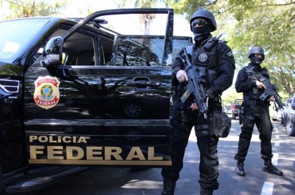 policia-federal-604x400 Homem finge ser policial federal para caçar Lázaro Barbosa e é preso
