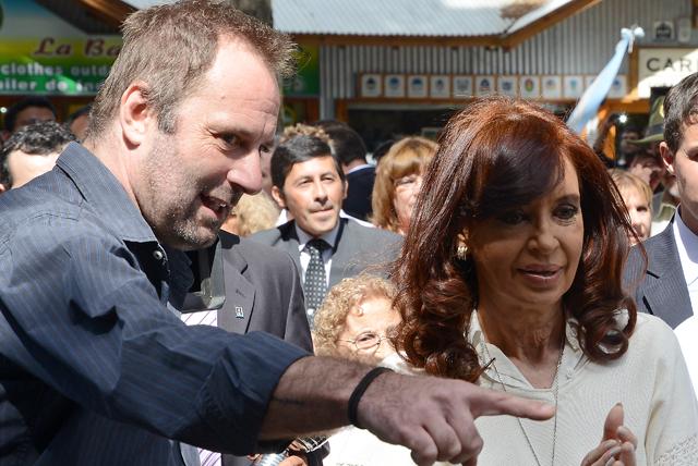 Juan Carlos Molina junto a la Presidenta de la Nación en El Calafate - Foto: OPI Santa Cruz/Francisco Muñoz