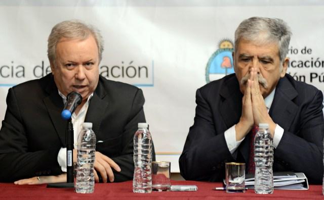 El Ministro de Planificación Federal Julio De Vido junto al Gobernador Daniel Peralta - Foto: OPI Santa Cruz/Francisco Muñoz