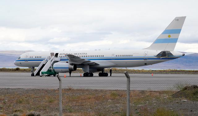 El Tango 01 en la pista del aeropuerto de El Calafate - Foto: Archivo OPI Santa Cruz/Francisco Muñoz