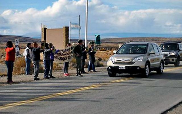 La Honda CRV de la Presidenta llega a El Calafate conducida por Máximo Kirchner - Foto: Gentileza La Nación