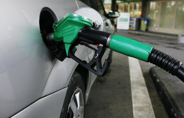 Se desplomó la venta de naftas por primera vez en 6 años