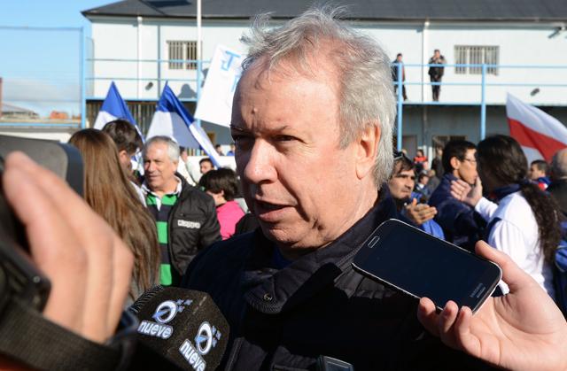 Ayer el Gobernador de Santa Cruz en dialogo con la prensa - Foto: OPI Santa Cruz/Francisco Muñoz