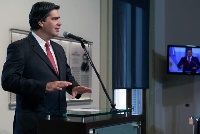 Capitanich pide que un fiscal actúe ante los dichos de Barrionuevo sobre un estallido