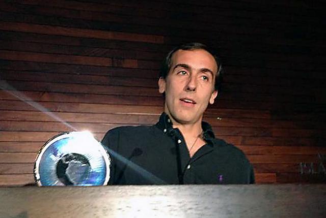 El periodista Hugo Alconada Mon recibe el premio en Mexíco - Foto: La Nación