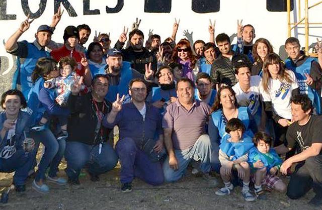 La Presidenta junto a militantes de La Cámpora en Río Gallegos - Foto: Facebook