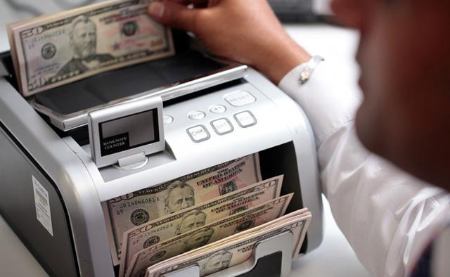 El dólar libre baja 20 centavos y se vende a $15,10 en la City