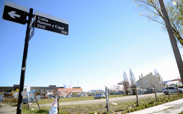 El terreno de Ramon y Cajal esquina 25 de Mayo - Foto: OPI Santa Cruz/Francisco Muñoz