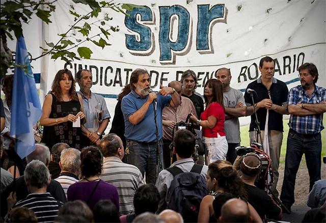 Repudian en Rosario las amenazas a De los Santos