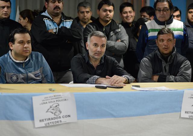 Los policías que resistían el autoacuartelamiento en Río Gallegos, depusieron la actitud