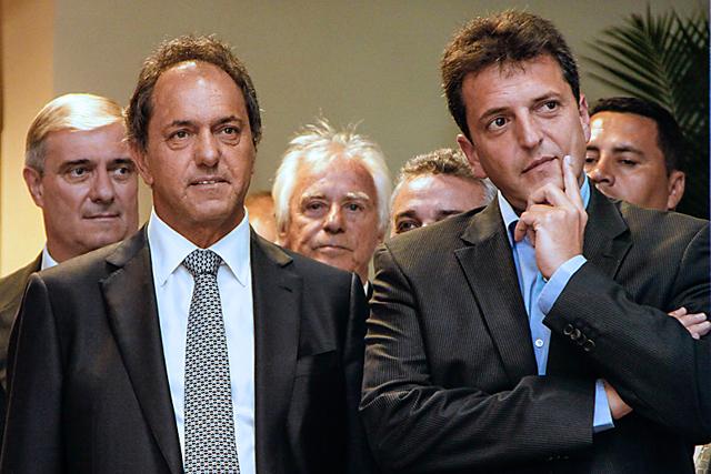 Polémica entre Scioli y Massa por las causas del desastre