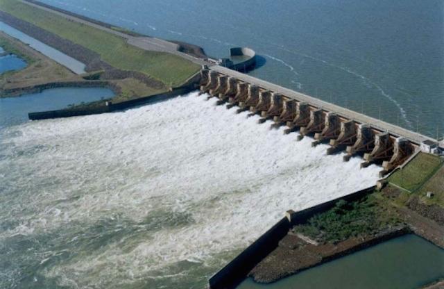 maqueta de las represas