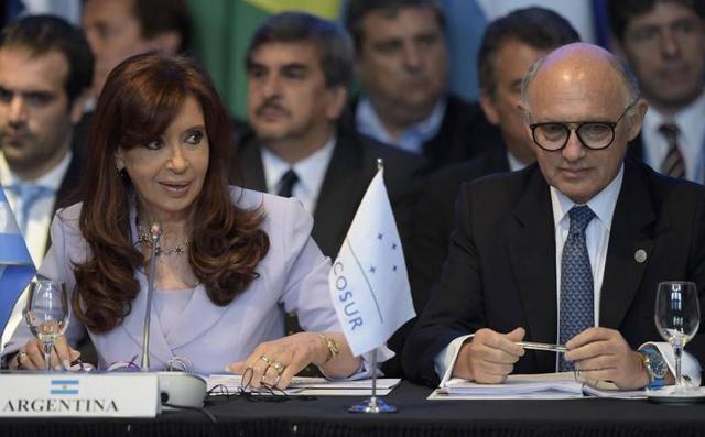 Caso AMIA: piden la indagatoria y embargo de 200 millones para Cristina y Timerman