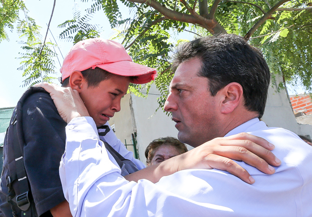 """Massa: """"La desnutrición y el abandono es de la Argentina que se va, los pibes haciendo deporte y en la escuela es el país que viene"""""""