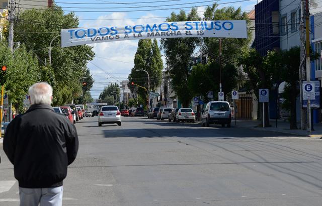 Uno de los pasacalles en las calles de Río Gallegos - Foto: OPI Santa Cruz/Francisco Muñoz
