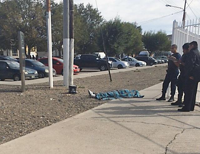 Último momento: un muerto y cinco heridos en un enfrentamiento de Petroleros y la UOCRA en Caleta Olivia - Foto: OPI Santa Cruz